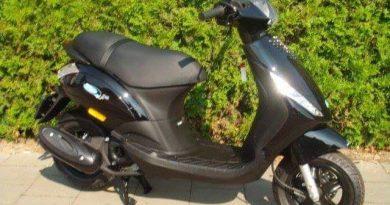 Scooter gestolen bij winkelcentrum Streekhof