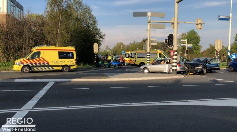 6 personen gewond geraakt bij botsing in Hoorn