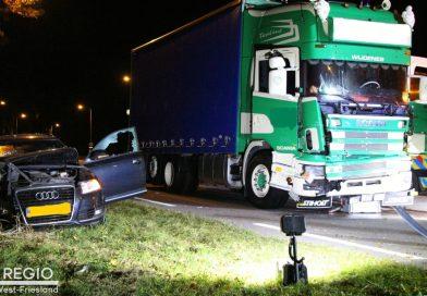 Vrachtwagen komt in botsing met personenauto in Wijdenes