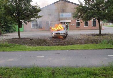 Brandweer rukt uit voor autobrand