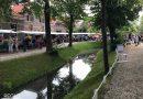 Veel drukte bij rommelmarkt Snouck van Loosenpark