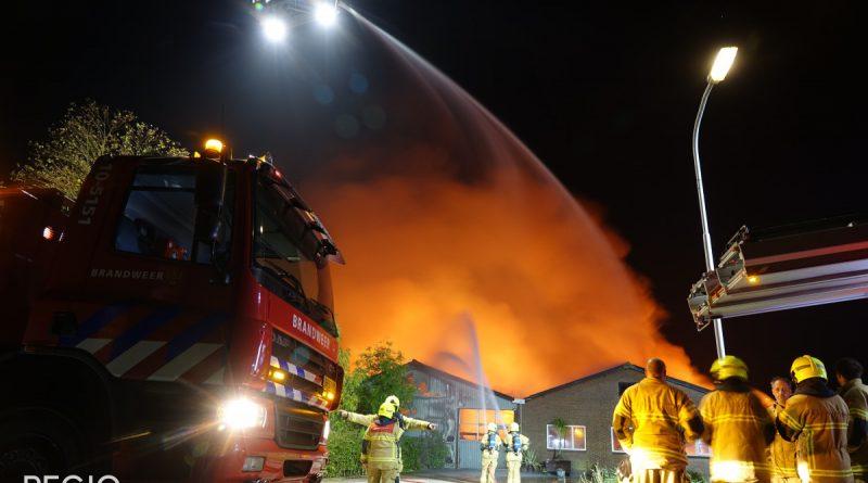 [VIDEO] Zeer grote brand in Hem: Veel brandweer aanwezig