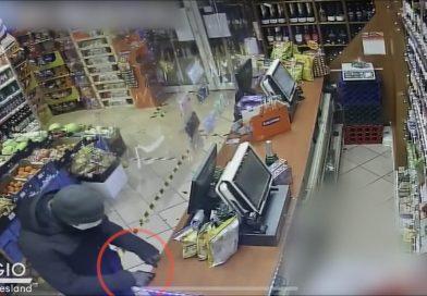Beelden online van overval supermarkt in Hoorn, politie hoopt op tips