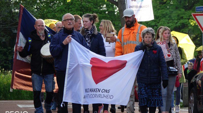 Demonstratie tegen corona maatregelen in Hoorn
