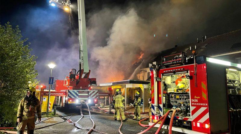 Meerdere woningen beschadigd na brand in Zwaag