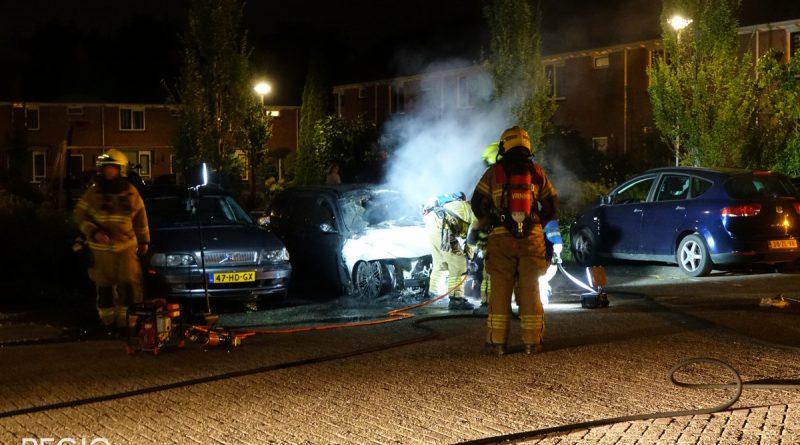 Autobrand in Bovenkarspel, auto brand volledig uit